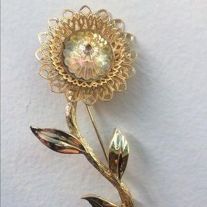 Vintage Sunflower Brooch. Unsigned